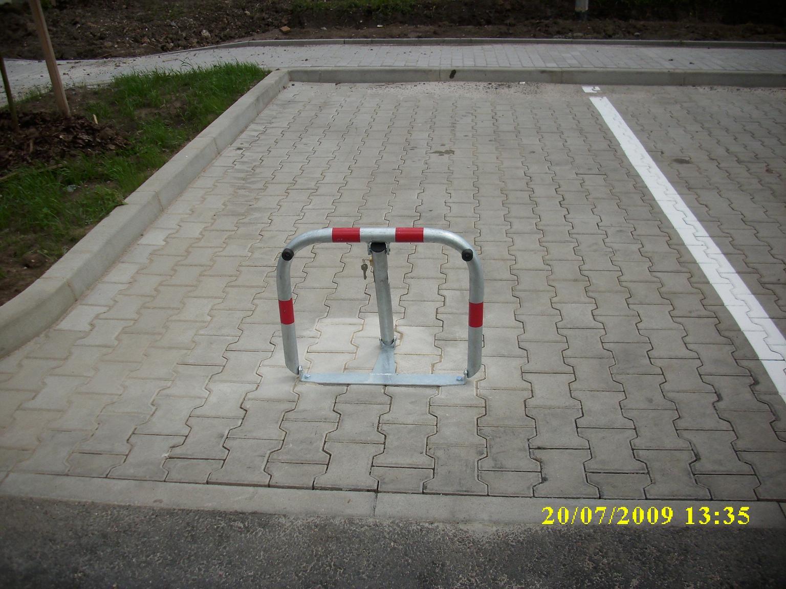 Montáž parkovacích zábran